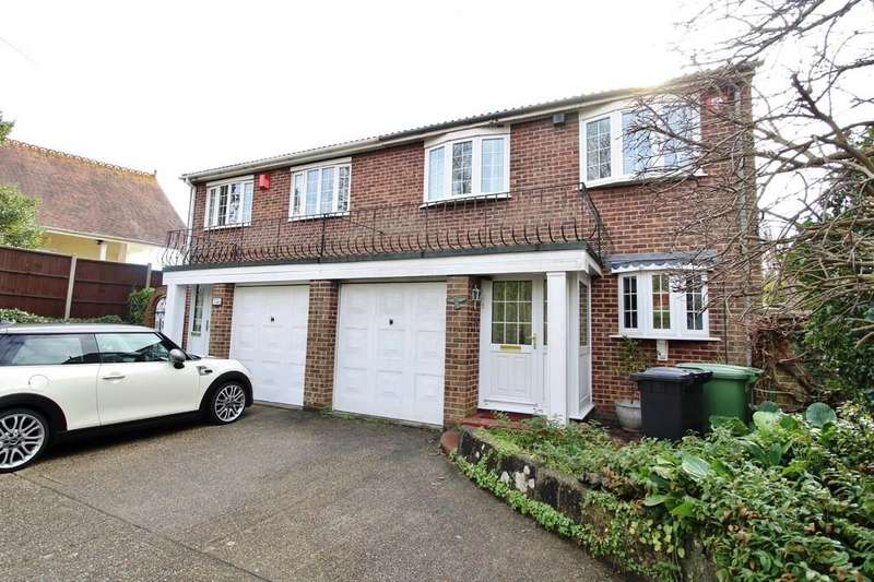 3 Bedrooms Semi Detached House for sale in London Road, Cosham