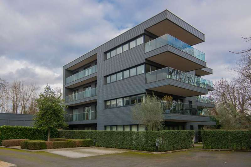 3 Bedrooms Apartment Flat for sale in Halcyon, Barnes, SW13