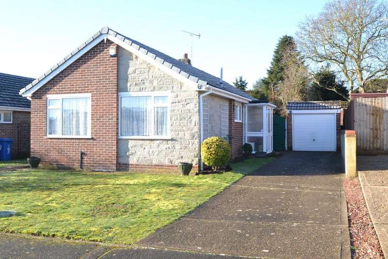 2 Bedrooms Detached Bungalow for sale in Hungerford Drive, Maidenhead SL6