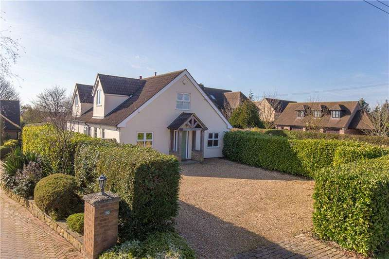 4 Bedrooms Detached House for sale in Cleat Hill, Ravensden, Bedfordshire