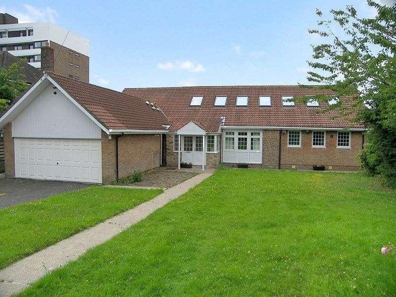 5 Bedrooms Property for rent in Montagu Avenue, Gosforth, Newcastle Upon Tyne, Tyne & Wear, NE3 4JN