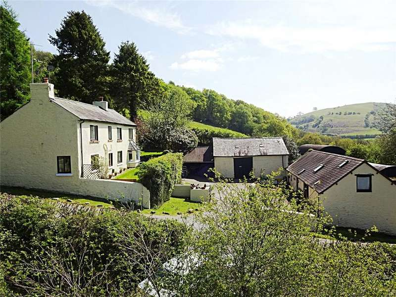 4 Bedrooms Detached House for sale in Cilycwm, Llandovery, Carmarthenshire