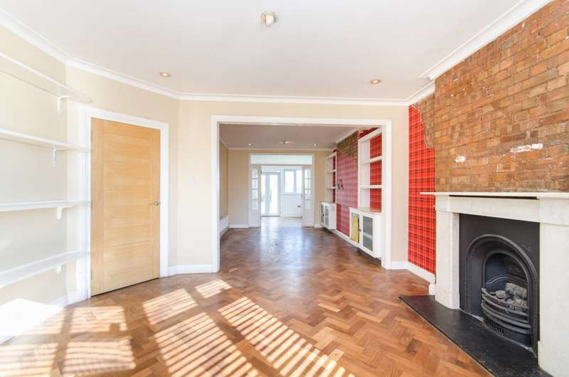 5 Bedrooms Detached House for sale in Hill Close, Dollis Hill, NW2