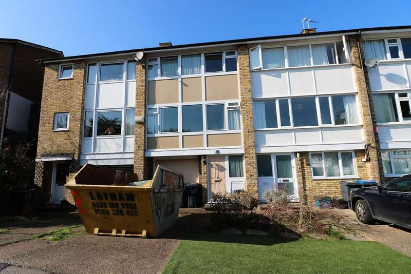 3 Bedrooms Property for sale in The Dell, Stambourne Way SE19