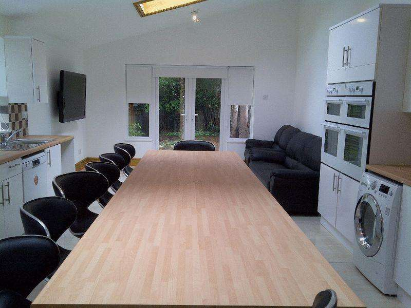 10 Bedrooms House for rent in 10 Bedroom 3 Bathroom Student Property