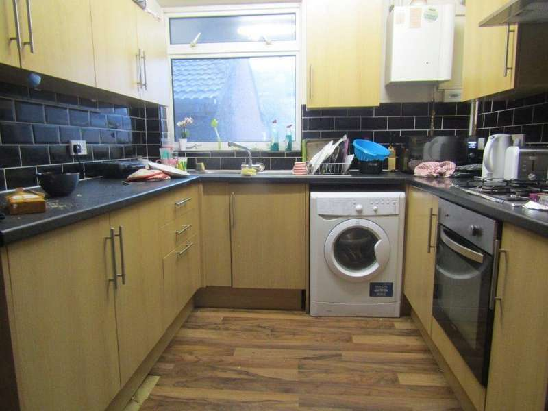 7 Bedrooms Semi Detached House for rent in Sherborne Road, Southampton