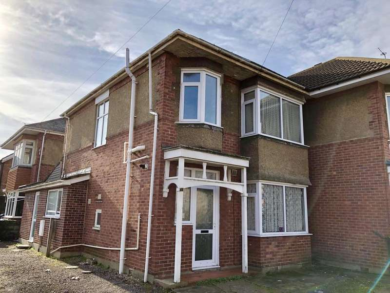 6 Bedrooms House for rent in Maple Road, ,
