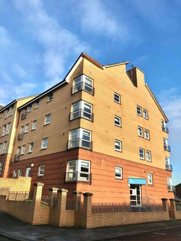 4 Bedrooms Flat for rent in Bedroom - Thornbank Street, Yorkhill, Glasgow