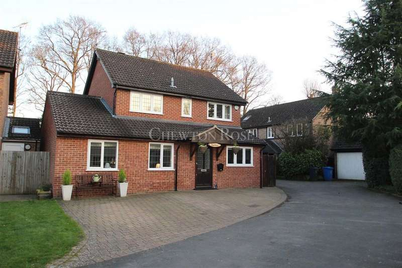 5 Bedrooms Detached House for sale in Ascot, Berkshire