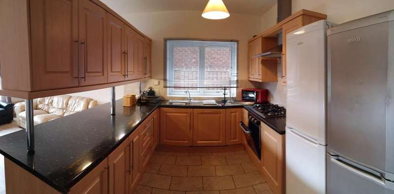 10 Bedrooms Detached House for rent in Abberton Road M20