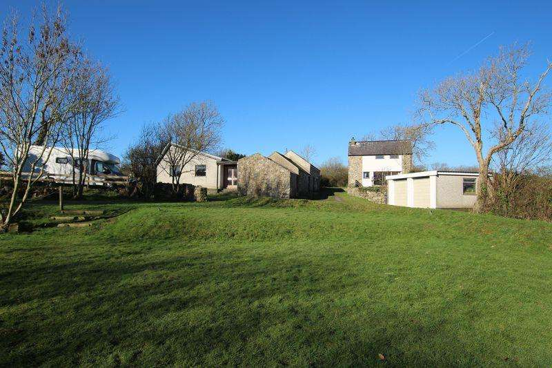 3 Bedrooms Detached House for sale in Rhosmeirch, Llangefni