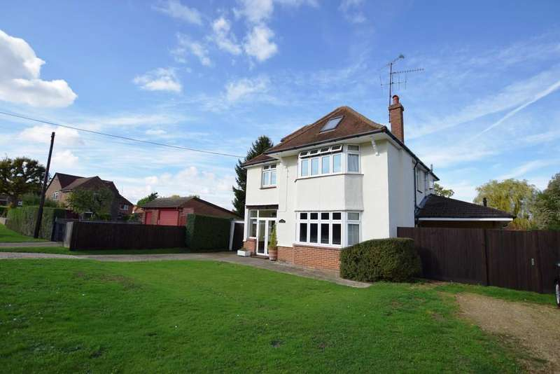 5 Bedrooms Detached House for sale in Hazel Road, Ash Green, GU12