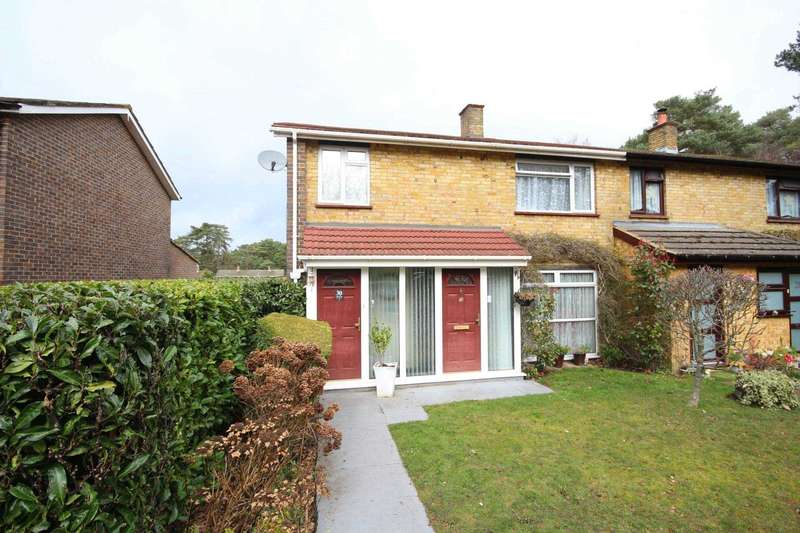 3 Bedrooms Semi Detached House for sale in Wellington Drive, Bracknell