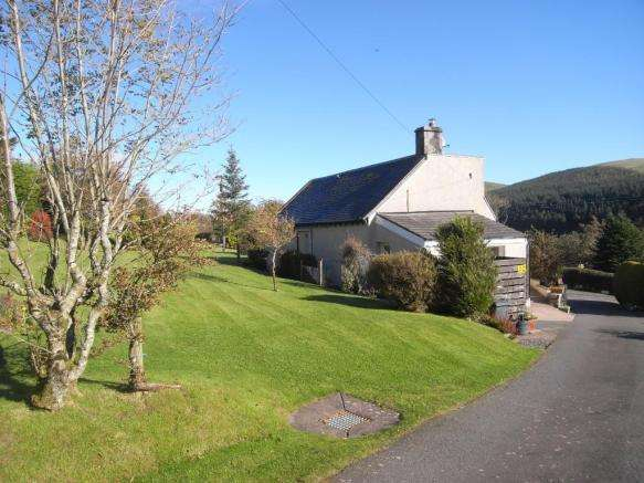 3 Bedrooms Detached House for sale in The Wrae, Langholm, DG13