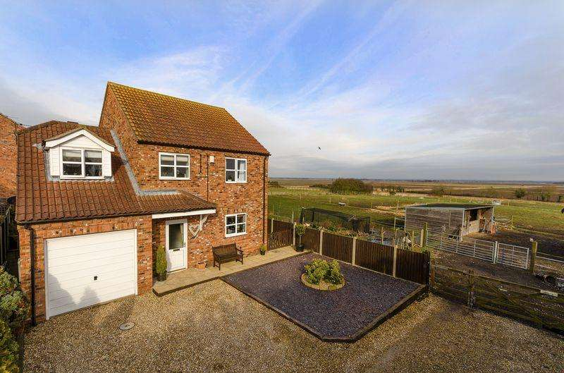 4 Bedrooms Detached House for sale in 2 Fletchers Way, Martin, Lincoln