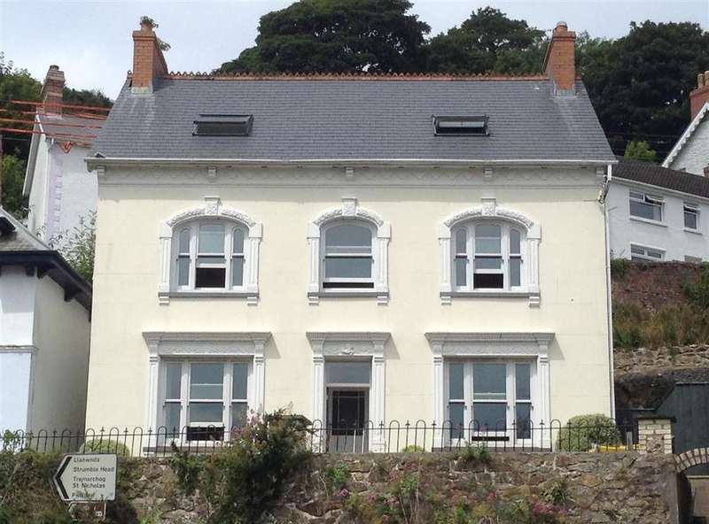 5 Bedrooms Detached House for sale in Goodwick