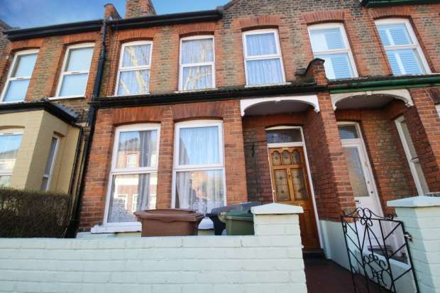 3 Bedrooms Terraced House for sale in Boundary Road, Walthamstow, Greater London, E17 8NL