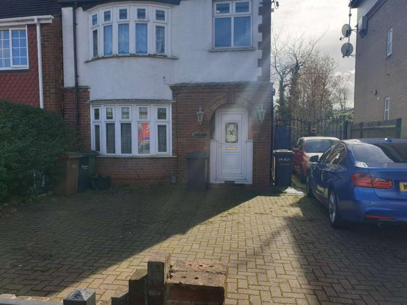 3 Bedrooms Detached House for sale in Dunstable Road, LU4