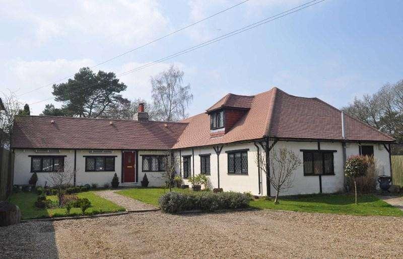 6 Bedrooms Detached House for sale in Newchapel, Lingfield, Surrey