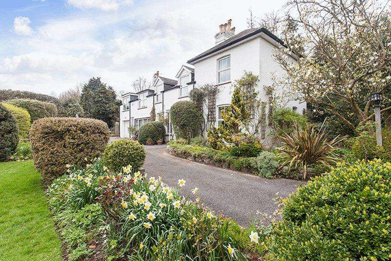 4 Bedrooms Detached House for sale in Woodlands Road, Bickley, Bromley