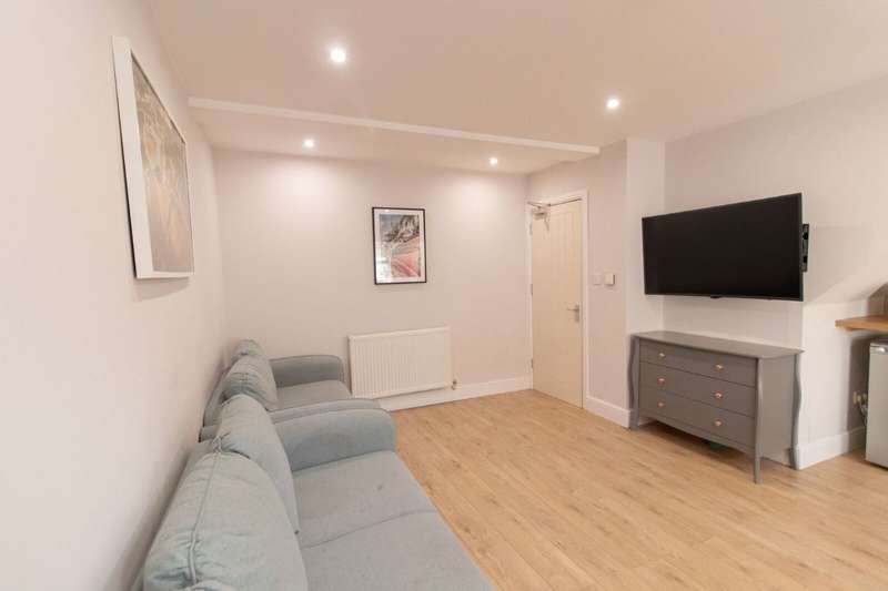 6 Bedrooms Terraced House for rent in Jamieson Road, Wavertree, Liverpool, L15