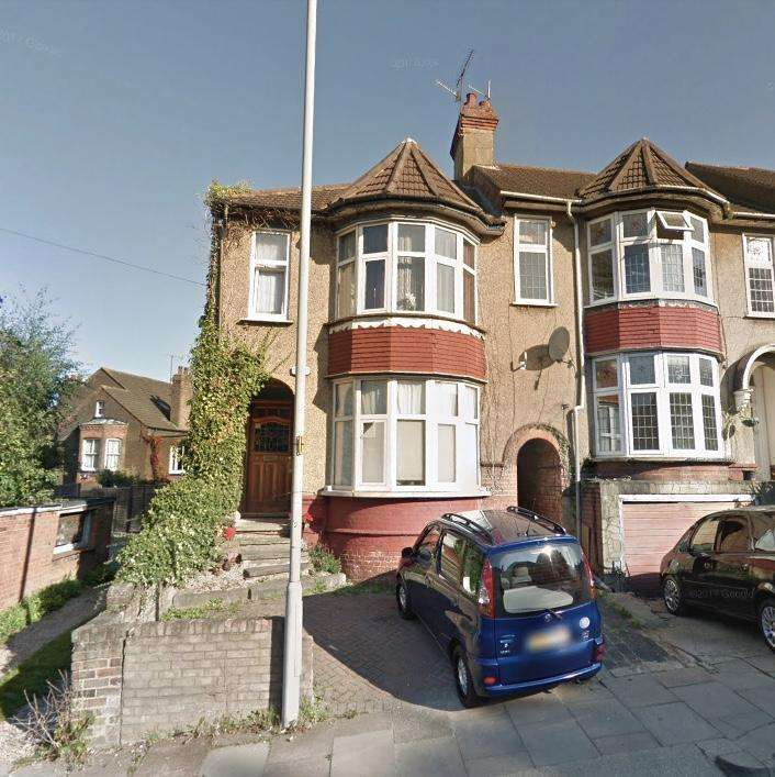 6 Bedrooms End Of Terrace House for sale in 4 Cromwell Hill LU2 7PY