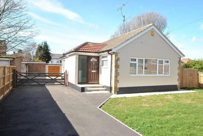 3 Bedrooms Bungalow for sale in Send Road, Caversham, Reading