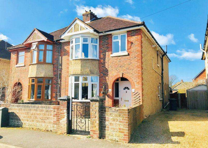 4 Bedrooms Semi Detached House for sale in Charlesbury Avenue, Alverstoke, PO12