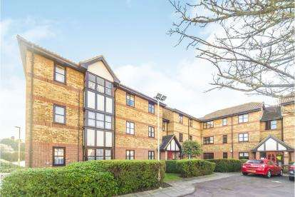 2 Bedrooms Flat for sale in Redwood Grove, Bedford, Bedfordshire