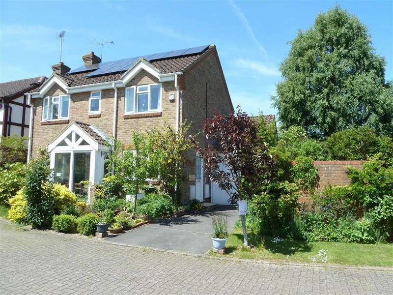 4 Bedrooms Detached House for sale in Sedgefield Close, Sonning Common, Sonning Common Reading