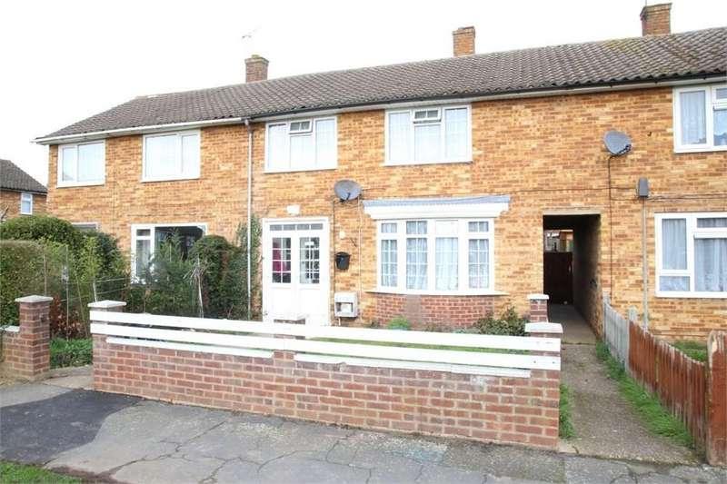 3 Bedrooms Terraced House for sale in Pemberton Road, Slough, SL2