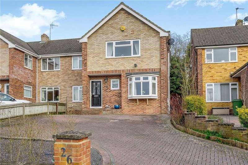 4 Bedrooms Semi Detached House for sale in Pear Tree Lane, Newbury, Berkshire, RG14