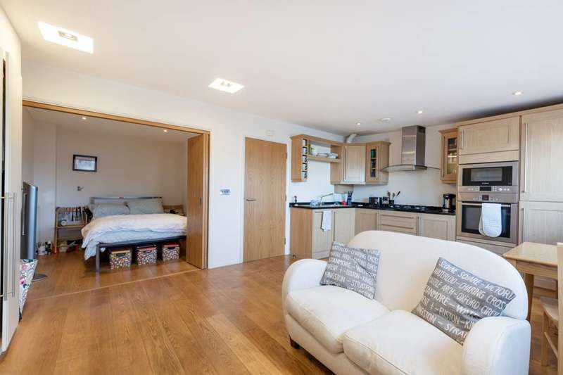 Studio Flat for sale in Wandsworth Road, Battersea, SW8