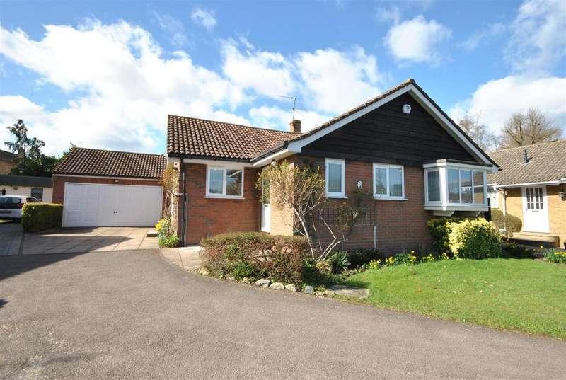 3 Bedrooms Bungalow for sale in Doverfield, Goffs Oak