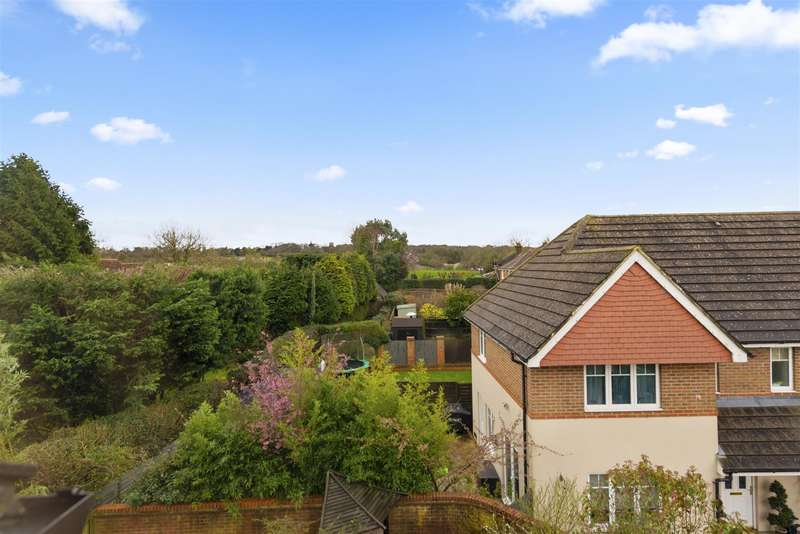 4 Bedrooms Town House for sale in Greenacres, Lower Kingswood, Tadworth