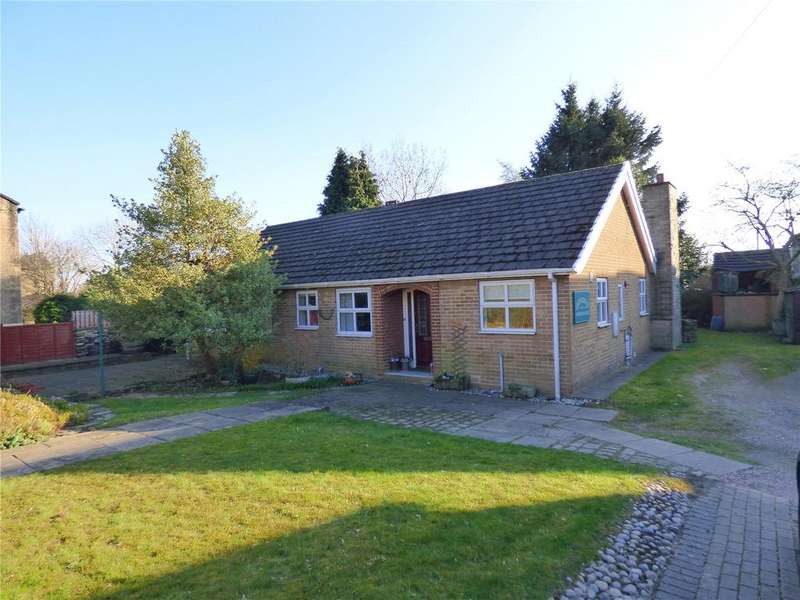 3 Bedrooms Detached Bungalow for sale in Worthing Head Road, Wyke, Bradford, BD12