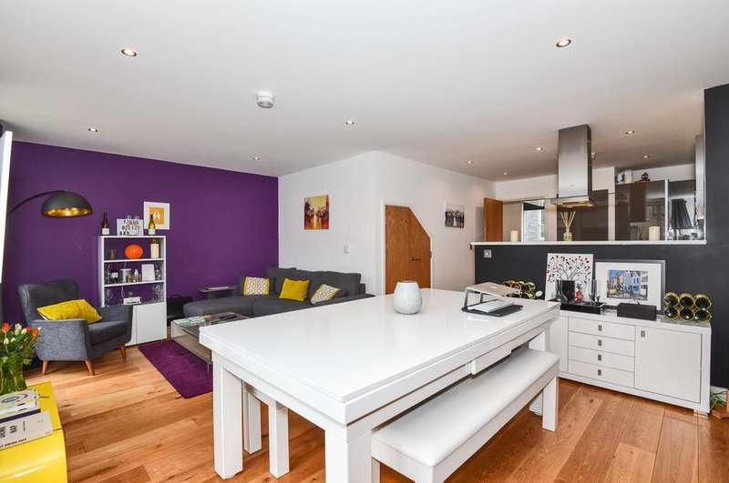 2 Bedrooms Maisonette Flat for sale in Bakery Street, SE16