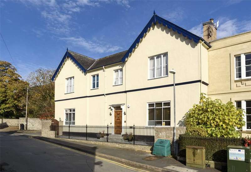 4 Bedrooms Detached House for sale in Wylcwm Street, Knighton, Powys