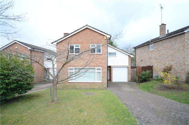 4 Bedrooms Detached House for sale in Long Mickle, Little Sandhurst, Berkshire