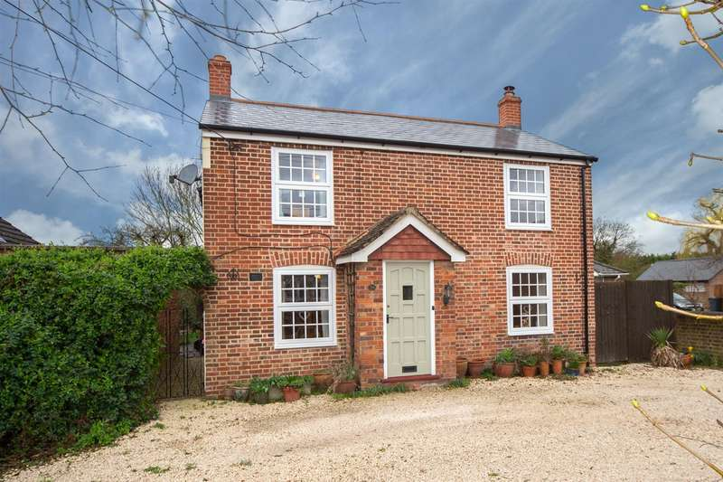 4 Bedrooms Detached House for sale in Moor End, Eaton Bray, Bedfordshire