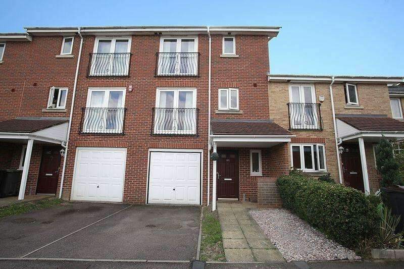 4 Bedrooms Terraced House for rent in Primrose Close, Luton LU3