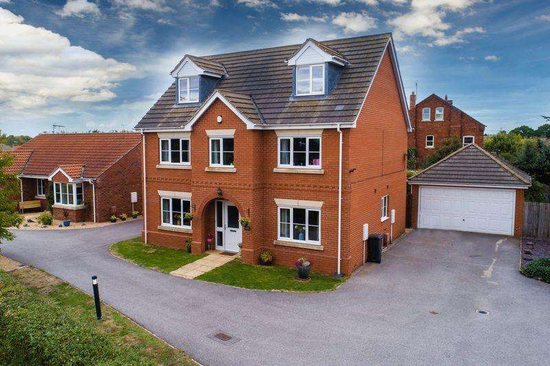 5 Bedrooms Detached House for sale in 48 Post Mill Close, North Hykeham, Lincoln