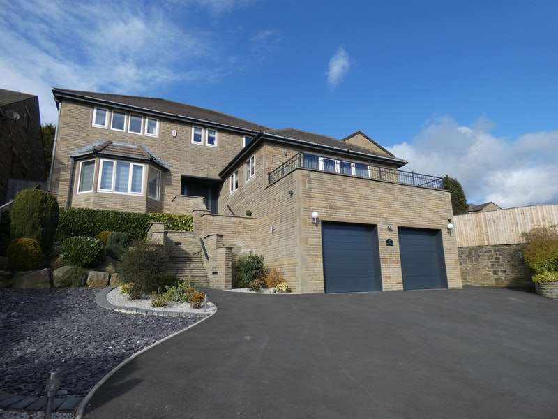 4 Bedrooms Detached House for sale in Low Road, Thornhill Edge, Wakefield, West Yorkshire, WF12