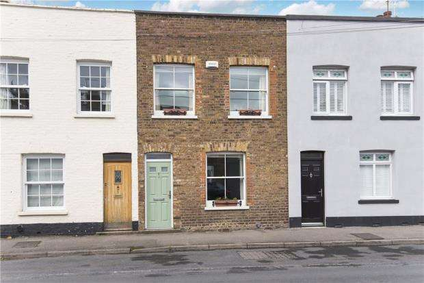 2 Bedrooms Terraced House for sale in Albert Street, Windsor, Berkshire