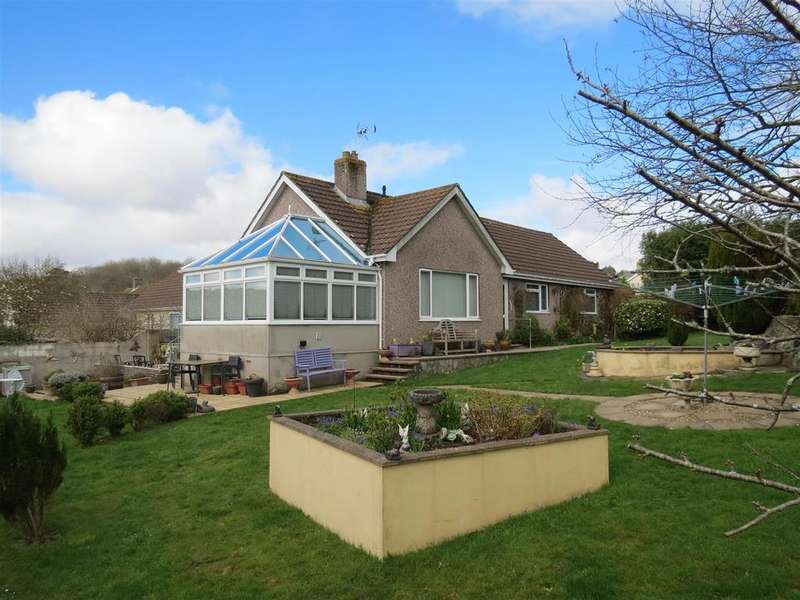 3 Bedrooms Detached Bungalow for sale in Knightor Close, Trethurgy, St. Austell