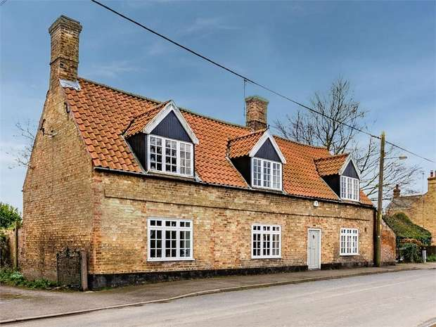 3 Bedrooms Detached House for sale in St Peters Road, Upwell, Wisbech, Norfolk