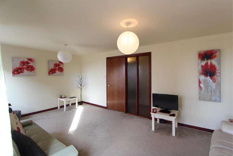 2 Bedrooms Flat for sale in 1/1 107 Main Street, LARGS, KA30 8JJ