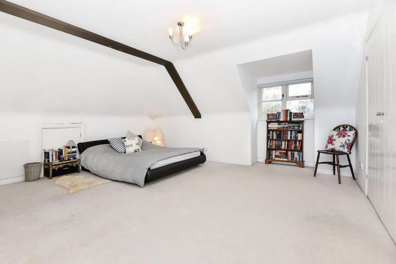 2 Bedrooms Flat for sale in Springfield Court, Maidenhead, SL6