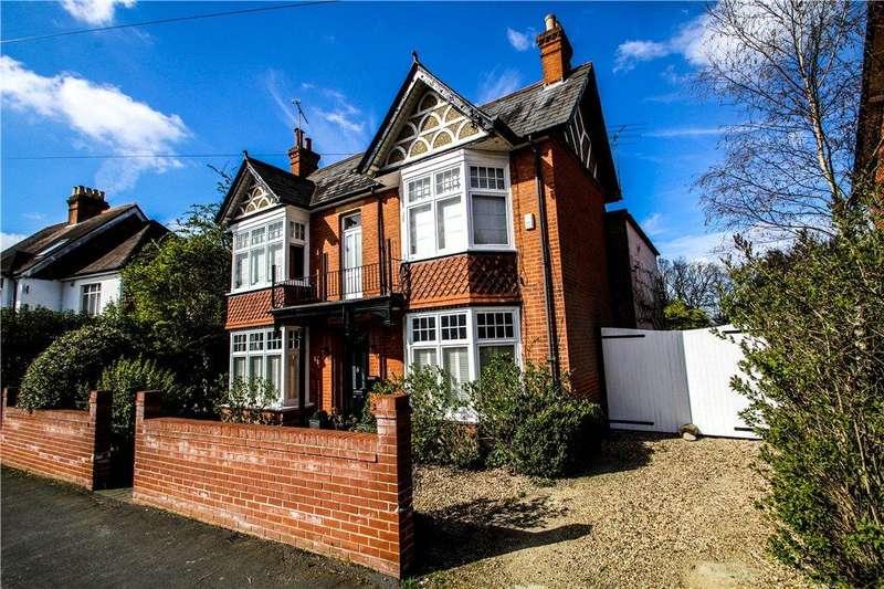 4 Bedrooms Detached House for sale in Gordon Avenue, Camberley, Surrey, GU15