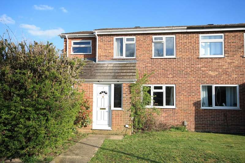 3 Bedrooms Semi Detached House for sale in Bodmin Close, Thatcham, RG19